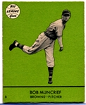 1941 Goudey Bb- #8 Bob Muncrief, Brown- Green Color Version